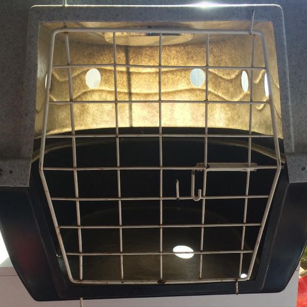 caixa de transporte para cães e ou gatos