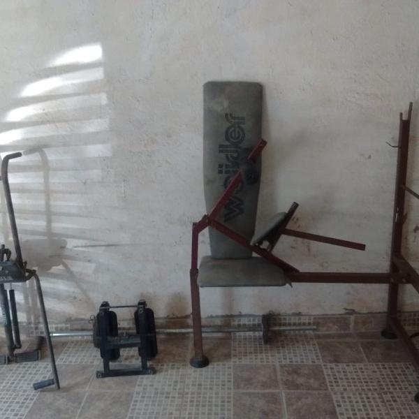 vendo aparelhos de musculação, remo, step e bicicleta