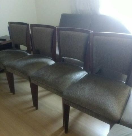 4 Cadeiras de madeira