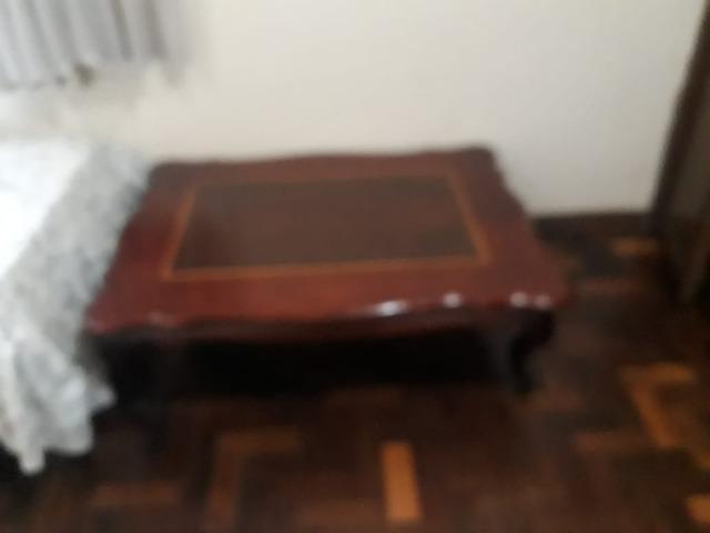 Linda Mesa de Centro em madeira de Lei Maciça