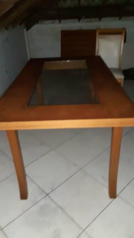 Mesa madeira maciça com 4 cadeiras