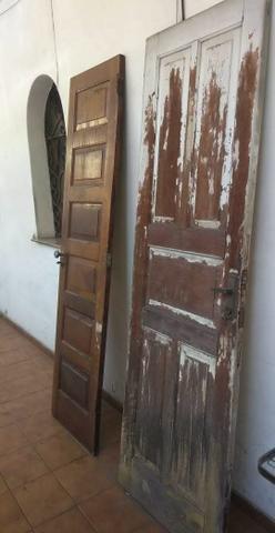 Portas de madeira maciça completa