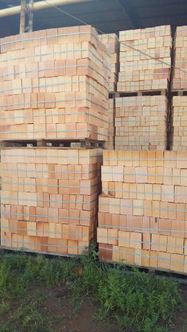 Promoção de tijolo e telha