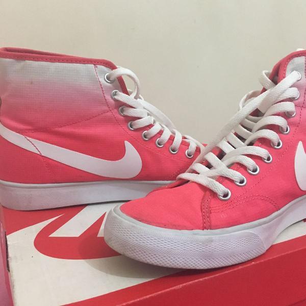 tênis nike rosa e branco
