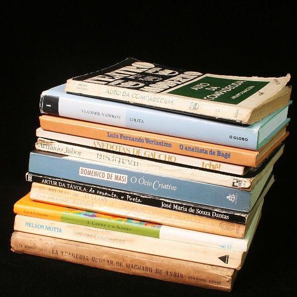 12 livros diversos da literatura brasileira jabour, suassuna