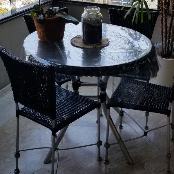 jogo de mesa e cadeiras para área externa