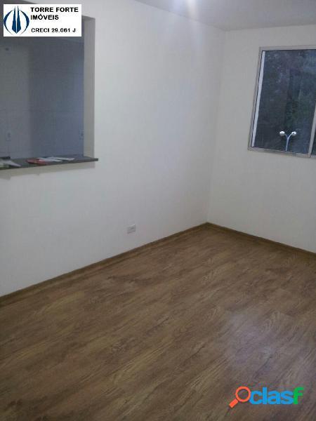 Lindo apartamento com 2 dormitórios no Parque São Vicente.