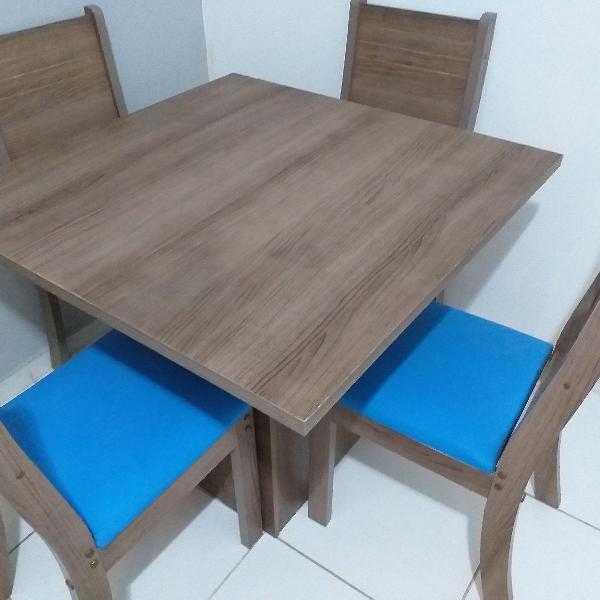 Mesa com 4 cadeiras ZONA LESTE