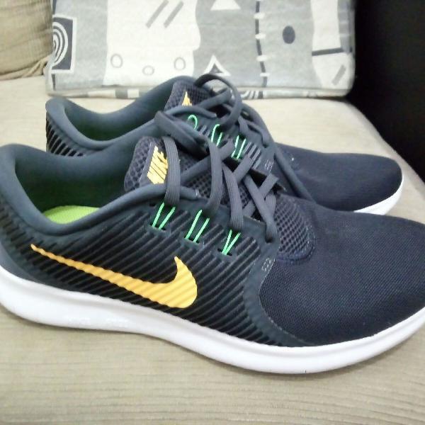 Tênis Nike Free RN commuter 2016