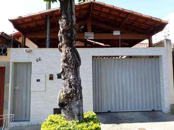 Casa com 3 quartos à venda no bairro Vila Clóris, 180m²