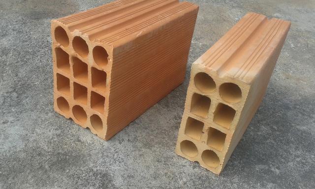 Vende-se ou aluga-se Fábrica de tijolos Cerâmicos em pleno