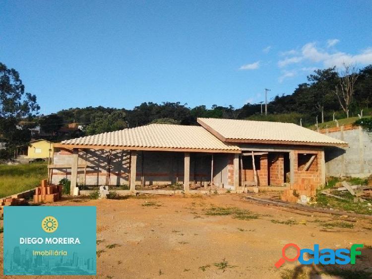 Casa á venda em condomínio em Atibaia com portaria 24