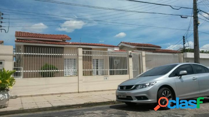 Linda casa no Conjunto Versalhes c/ 04 quartos, Rua fechada!