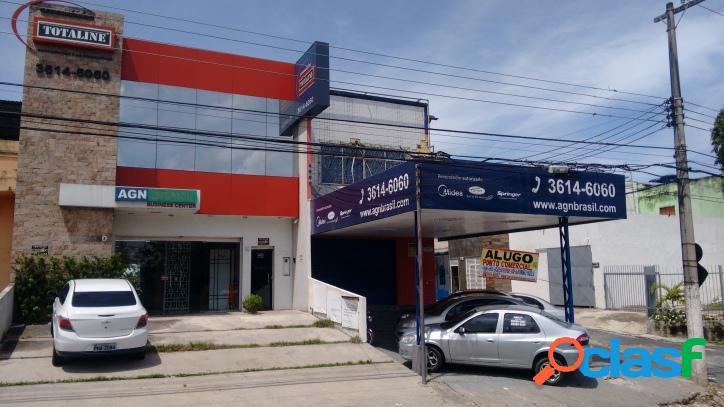 Ponto comercial no bairro Japiim com salas de 180m²