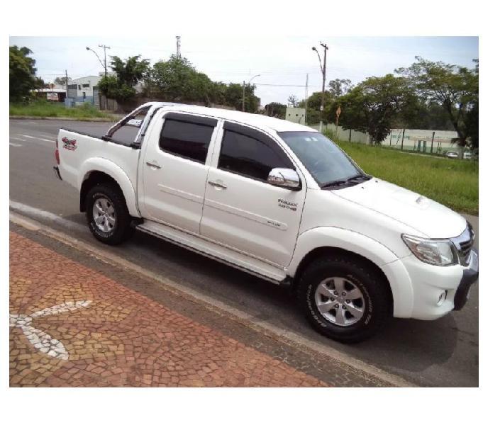 Toyota Hilux 3.0 Srv Cabine dupla 4x4 Aut. 4p