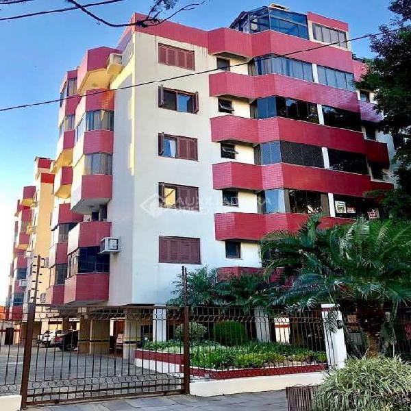 Apartamento com 2 Quartos à Venda, 75 m² por R$ 425.000