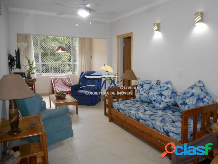 Apartamento 2 dormitórios Pitangueiras, uma quadra do mar
