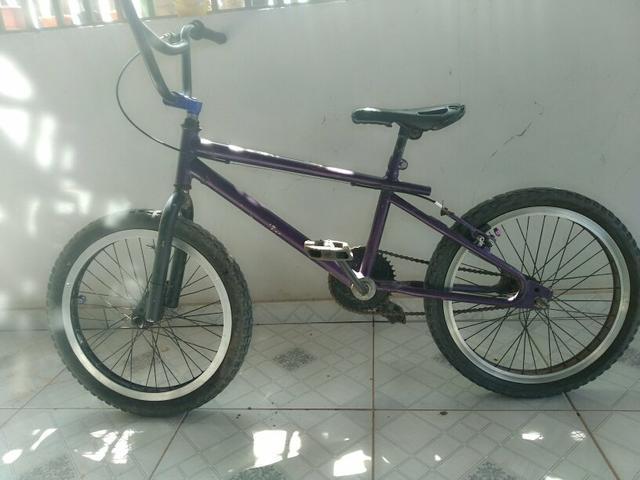 Bicicleta Cross com Aro morcegão
