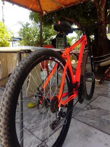 Bike aro 29 vendo ou troco em moto
