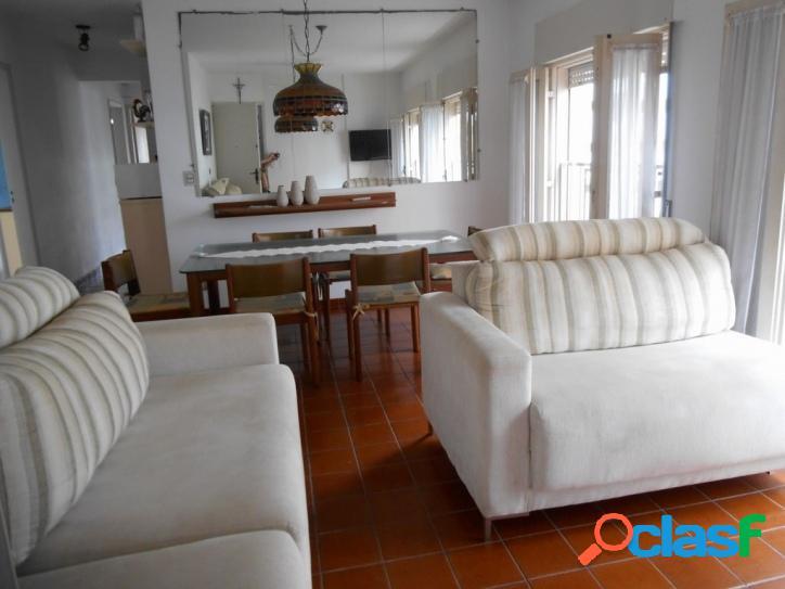 Calçadão Pitangueiras, Região Nobre! 3 dormitórios, 2