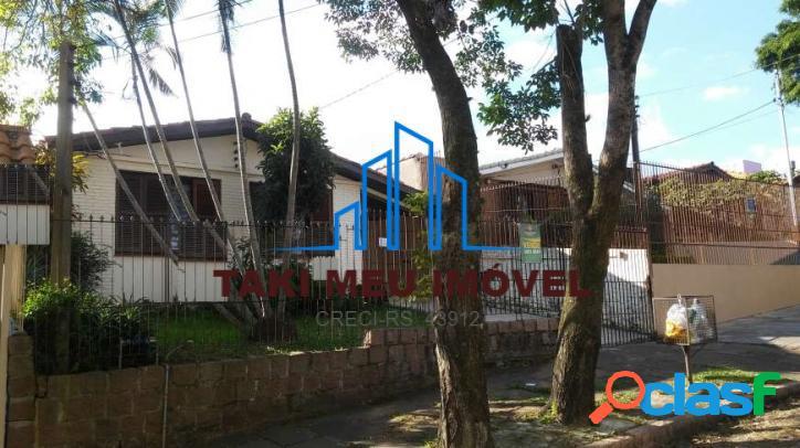 Casa com 3 Quartos à Venda, 100 m² por R$ 599.000
