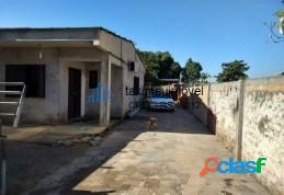Casa com 4 dormitórios à venda, 140 m² por R$ 490.000