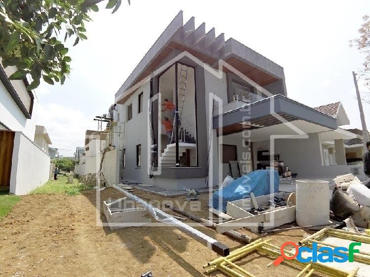 Casa sobrado 4 suítes em condomínio no Urbanova