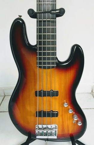 Contrabaixo Fender Squier Deluxe Jazz Bass V Active