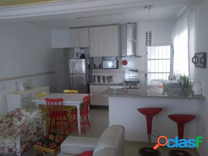 Linda casa semi nova no Cibratel- pertinho da Av. São Paulo