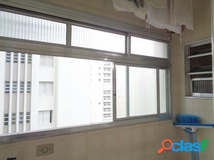 Locação anual, 2 dormitórios no centro da Pitangueiras