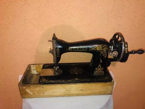 Máquina De Costura Singer Antiga Funcionando Com Motor