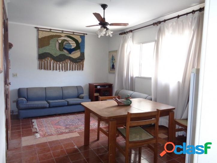Oportunidade! 2 dormitórios Pitangueiras, Centro!