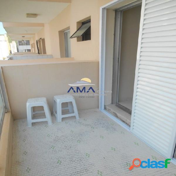 Uma quadra da praia da Pitangueiras, 1 dormitório com