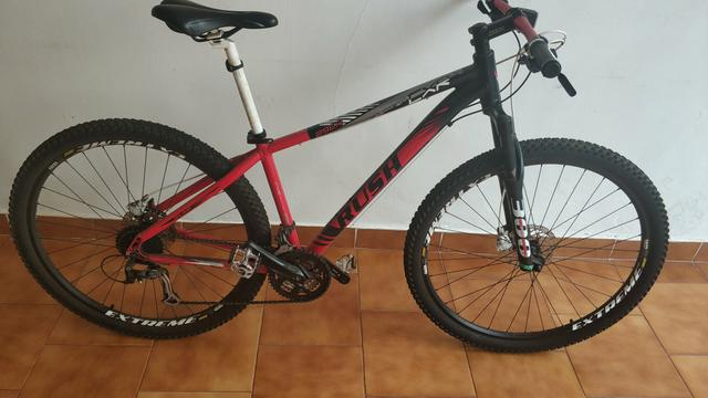 Vendo Mountain Bike. A vista R$ 850