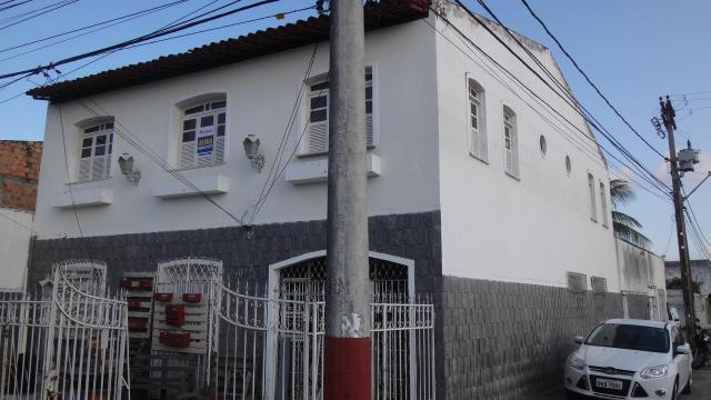 Casa com 2 dormitórios para alugar, 62 m² por r$ 1.600,00