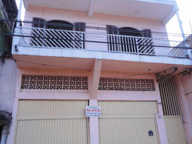Casa com 3 Quartos para Alugar, 80 m² por R$ 1.000/Mês