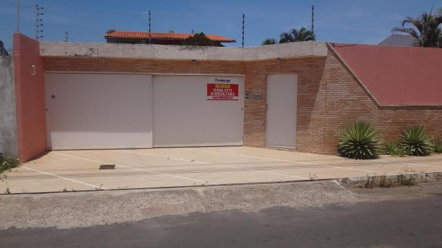 Casa com 4 dormitórios para alugar, 270 m² por r$ 2.800,00