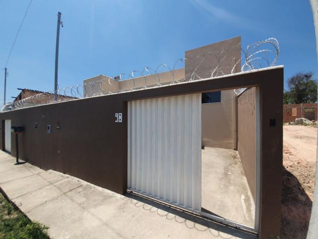 Casa primeiro morador, 03 quartos, 01 suíte, bairro nova