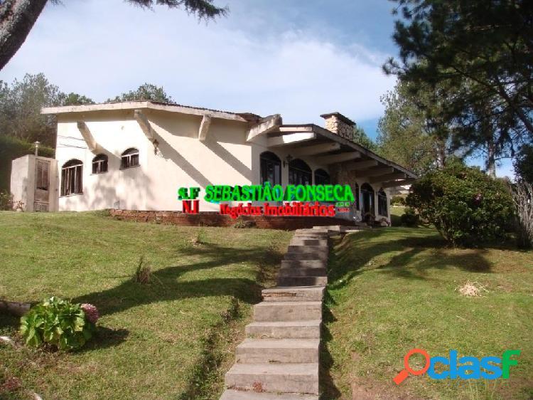 Bela casa no Condomínio Morro Pedra do Fogo em Campos do
