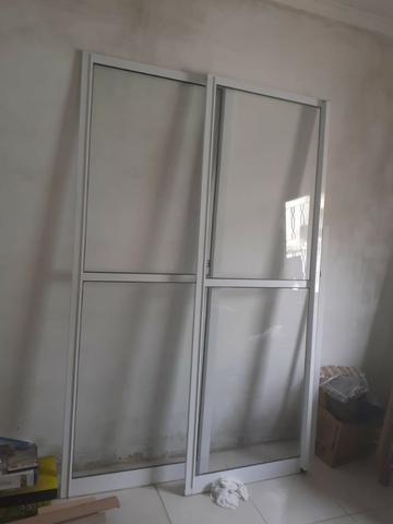 Porta Balcão de correr em aluminio branco com vidro 2,17 x