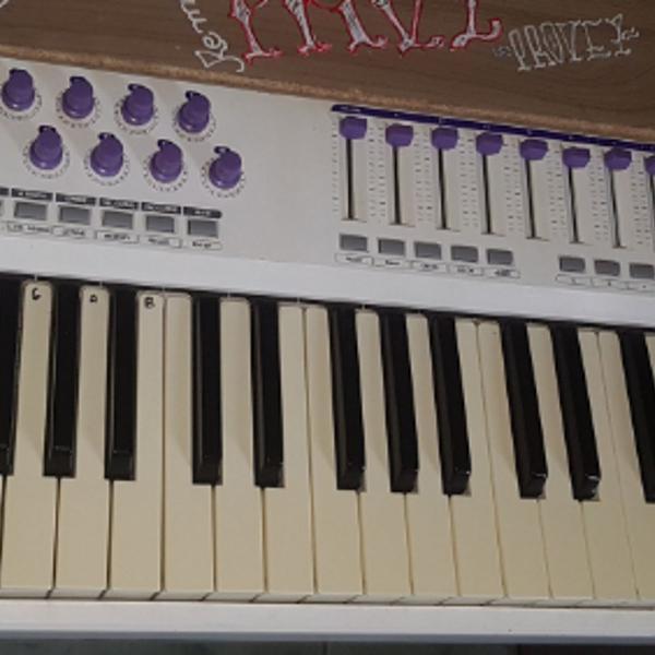 teclado controlador midi - waldman carbon 49 teclas
