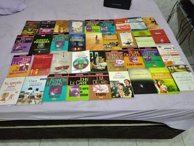 36 livros de literatura, troco em tv de tubo