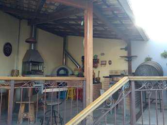 Casa com 2 quartos à venda no bairro Serrano, 180m²