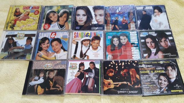 Coleção de CDS da Dupla Sandy e Junior com 14 CDS