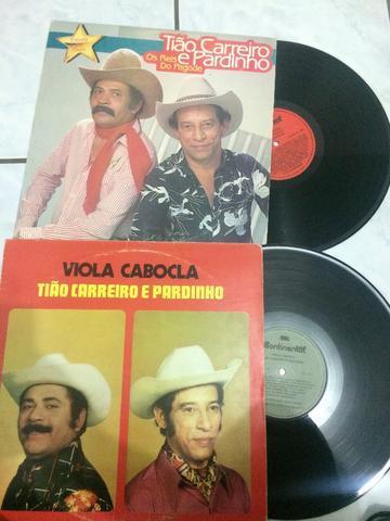 Lote 2 discos de vinil Tiao carreiro e pardinho Sertanejo