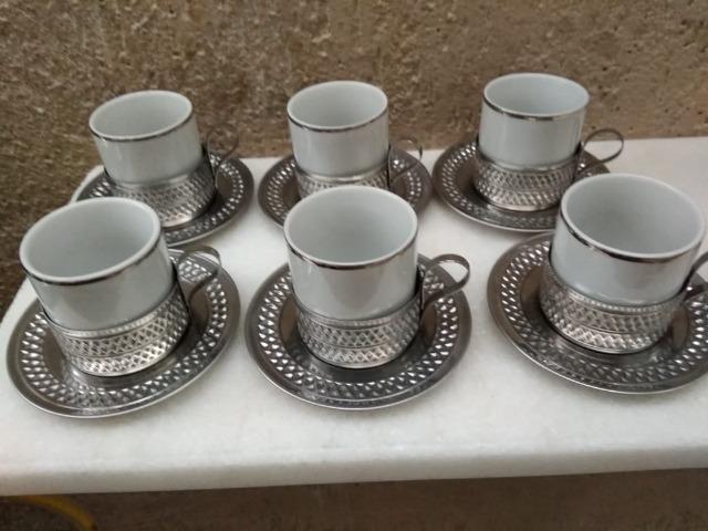 Conjunto com 6 xícaras de café (base de alumínio)