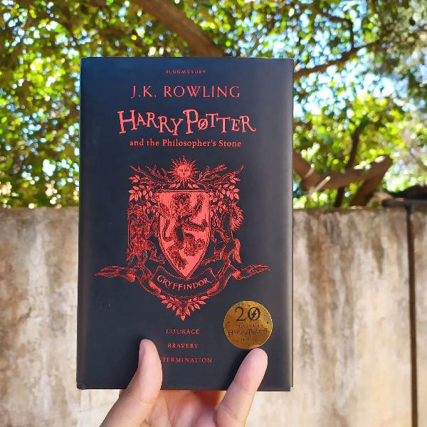 Livro: Harry Potter and the Philosopher's Stone - Edição