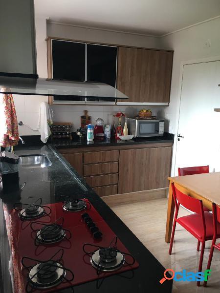 Apartamento com 3 dormitórios sendo 2 suítes