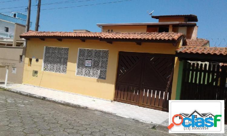 Casa / Sobrado em Peruíbe / Nova e Acabamento Alto Padrão