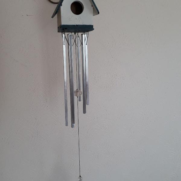 sinos dos ventos em casa passarinho com cristais
